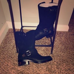 Vince Camuto Size 8 leather boots